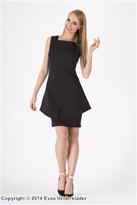Skräddad klänning med peplum-kjol